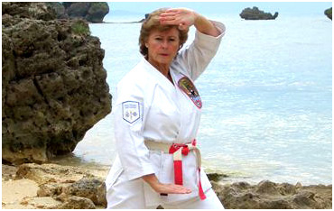 sensei-beach-training-lighter-white-border